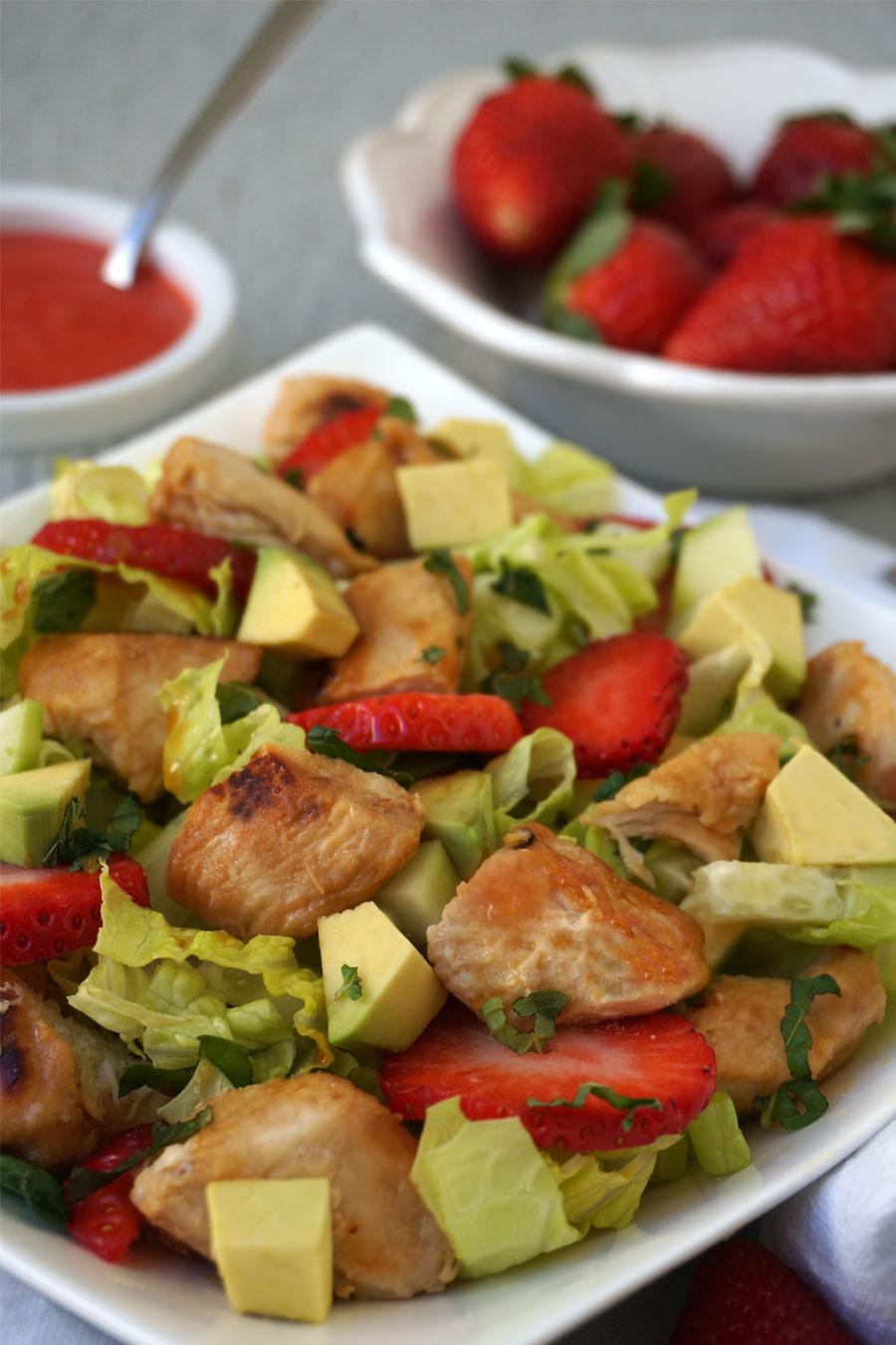 Honey-Lime Chicken & Strawberry Salad | Autoimmune-Paleo.com